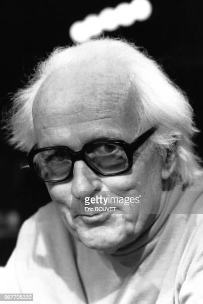L'écologiste agronome René Dumont est l'invité de l'émission 'Droit de Réponse' le 29 octobre 1983 à Paris France