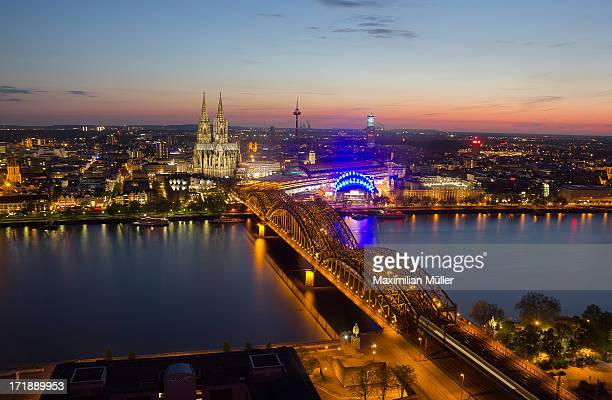 cologne at night / köln bei nacht - nacht stock pictures, royalty-free photos & images