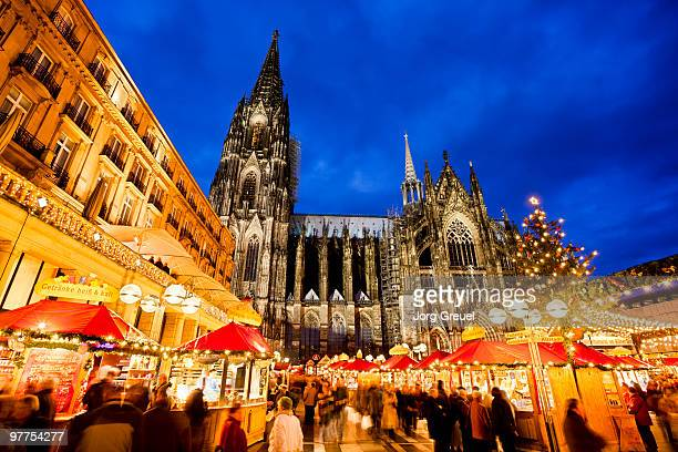 cologne cathedral and christmas market - cologne stock pictures, royalty-free photos & images