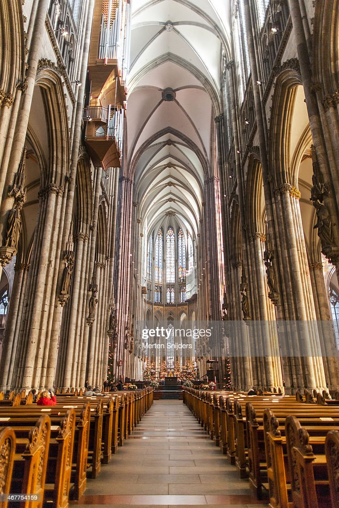 cologne cathedral interior ストックフォト getty images