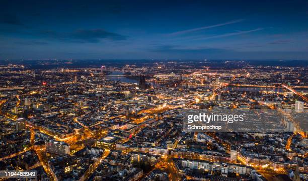 cologne cityscape at dusk - cologne stock pictures, royalty-free photos & images