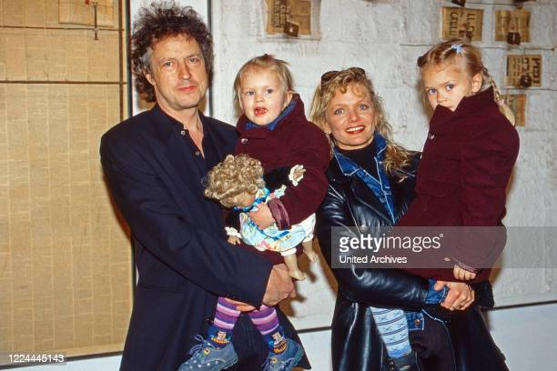 Cologne rock singer Wolfgang Niedecken with his wife Tina and the daughters Isis and Jojo at Duesseldorf, Germany, 1999.