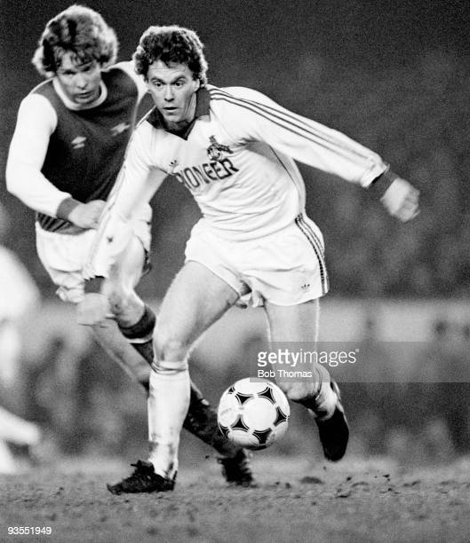 FC Cologne's Tony Woodcock is chased by Arsenal's Willie Young during their Friendly match held at Highbury London in January 1981 Arsenal beat...