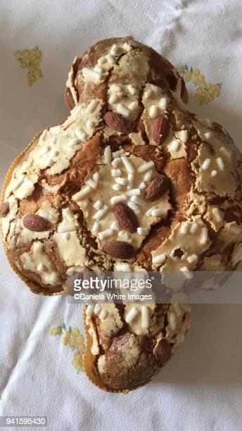 colomba , italian easter cake - colomba pasqua foto e immagini stock