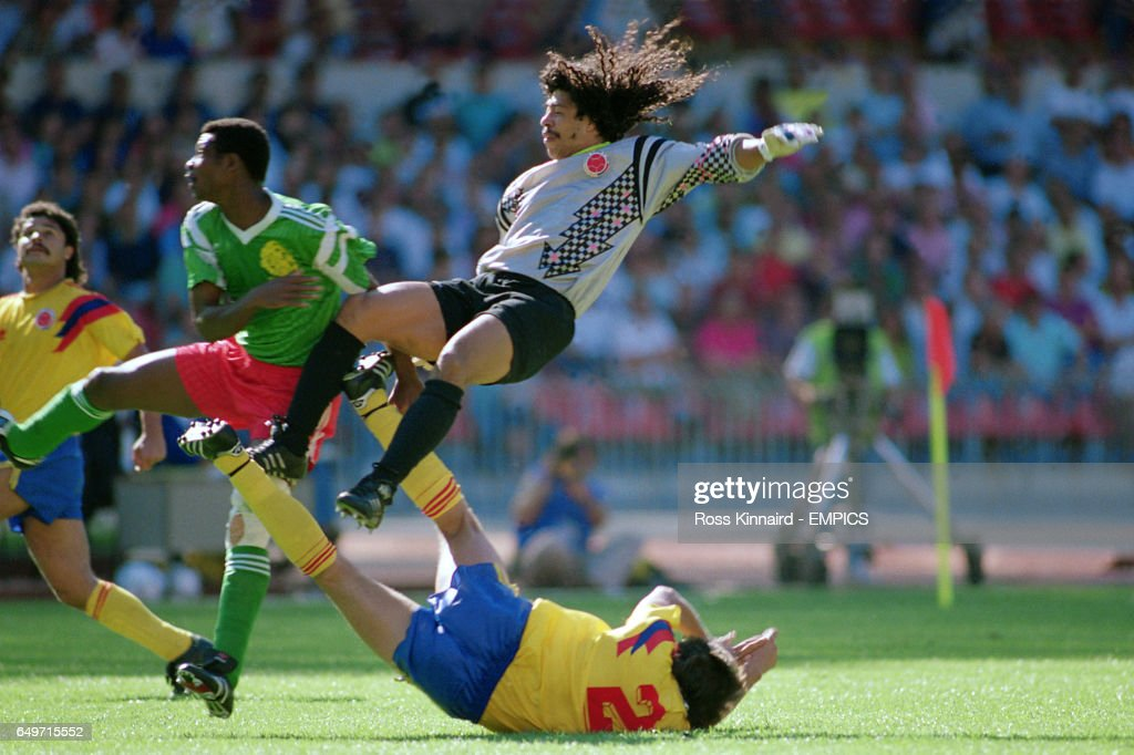 Soccer - World Cup Italia 90 - Second Round - Colombia v Cameroon : News Photo