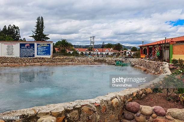 コロンビア-ホットスプリングで paipa 熱 - パイパ市 ストックフォトと画像