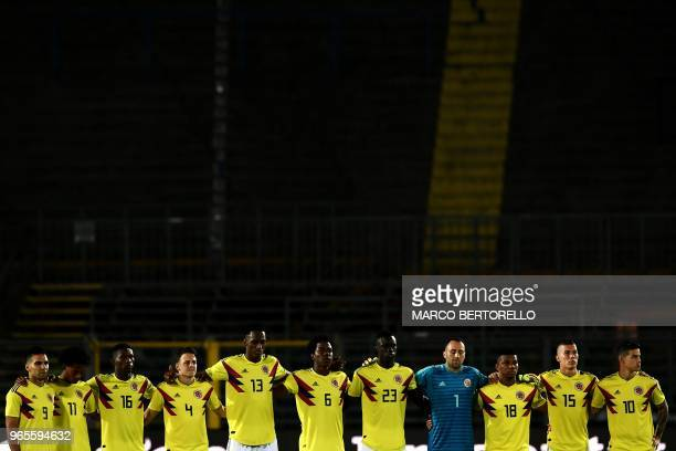 Colombia national team pays tribute to Alejandro Penaranda during the international friendly football match between Egypt and Colombia at 'Atleti...