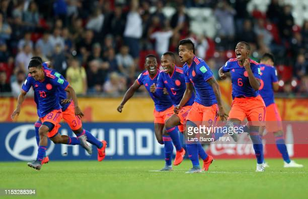 Colombia players celebrate winning the penalty shoot out 54 during the 2019 FIFA U20 World Cup Round of 16 match between Colombia and New Zealand at...