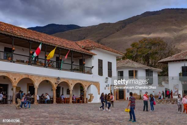 Colombia, América del sur - buscando en una esquina de la plaza en el siglo XVI ciudad de Villa de Leyva, en el Departamento de Boyacá. Oficina del alcalde.