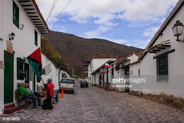 colombia-la calle 14 en la villa de leyva - villa de leyva fotografías e imágenes de stock