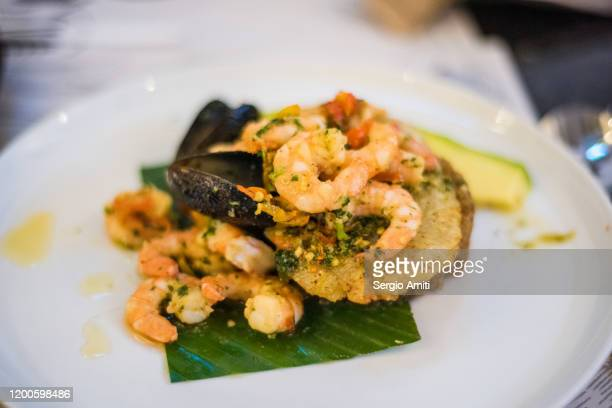 colombian camarones mulatos - trachurus japonicus stock pictures, royalty-free photos & images