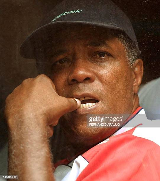 Colombian coach Francisco Maturana observes through his bus window 03 September 2001 in Medellin Colombia Francisco Maturana director tecnico de la...