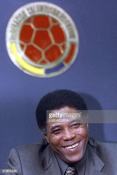 Colombian coach Francisco 'Pacho' Maturana smiles during a press conference 08 May 2001 in Bogota El tecnico colombiano Francisco 'Pacho' Maturana...
