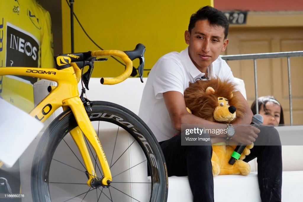 Tour de France Champion Egan Bernal Hometown Welcome : ニュース写真