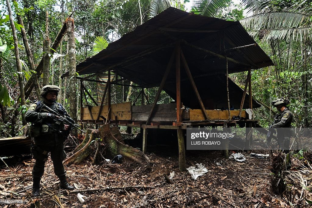 COLOMBIA-ECUADOR-BORDER-SECURITY-COCA : News Photo