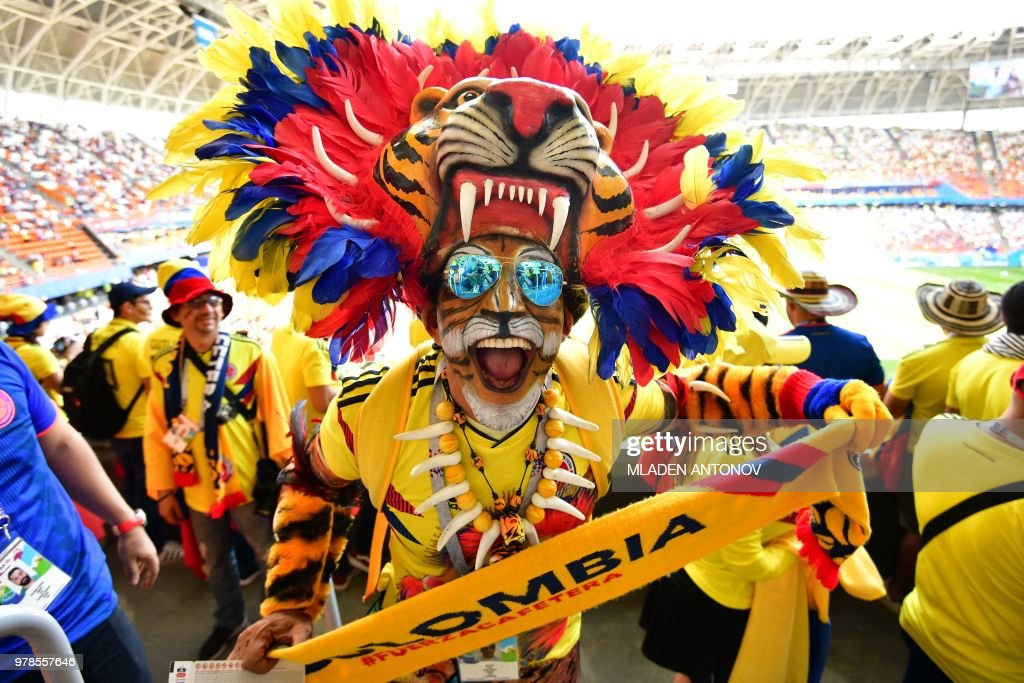 TOPSHOT-FBL-WC-2018-MATCH16-COL-JPN-FANS : News Photo