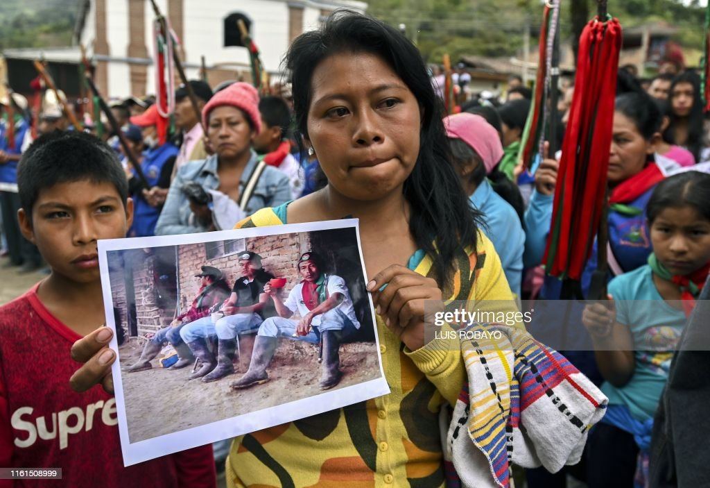 TOPSHOT-COLOMBIA-INDIGENOUS-CONFLICT-FUNERAL : News Photo