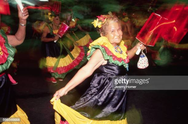 colombian mardi gras dancer - gras stock pictures, royalty-free photos & images