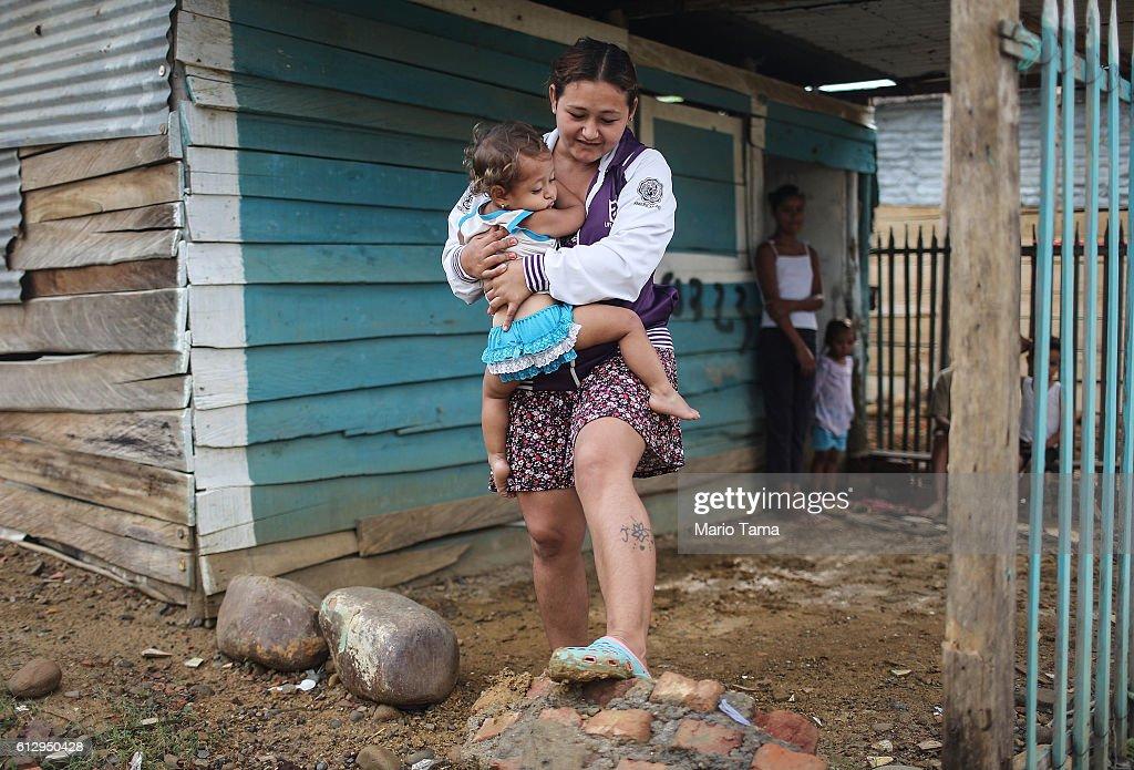 Crisis In Venezuela Sends Migrants Across Border To Colombia : News Photo