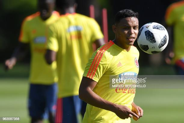 Colombian national football team's forward Luis Fernando Muriel takes part in a training session at the Milanello training centre on May 29 2018 in...