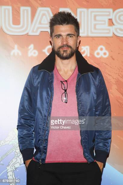 Colombian singer Juanes attends a press conference to promote the launch of his new album 'Mis Planes Son Amarte' at Cinepolis Plaza Carso on May 5...
