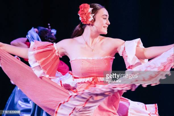 colombian traditional dance group - performing arts center stock pictures, royalty-free photos & images