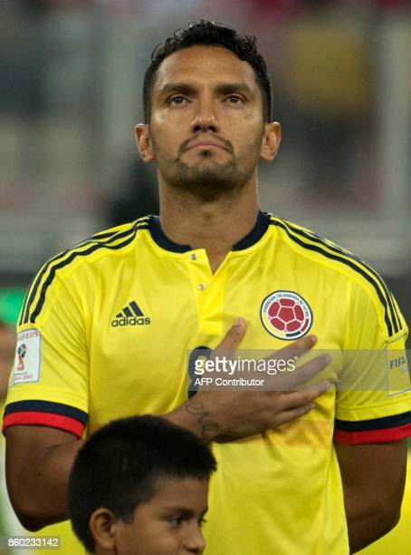 Colombia's Abel Aguilar poses before the 2018 World Cup qualifier football match against Peru in Lima on October 10 2017 / AFP PHOTO / Ernesto...
