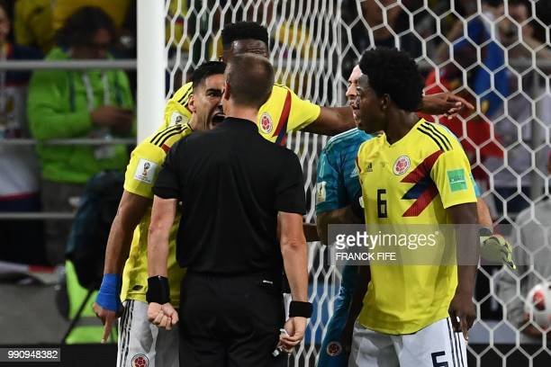 TOPSHOT Colombia's forward Falcao shouts at US referee Mark Geiger during the Russia 2018 World Cup round of 16 football match between Colombia and...