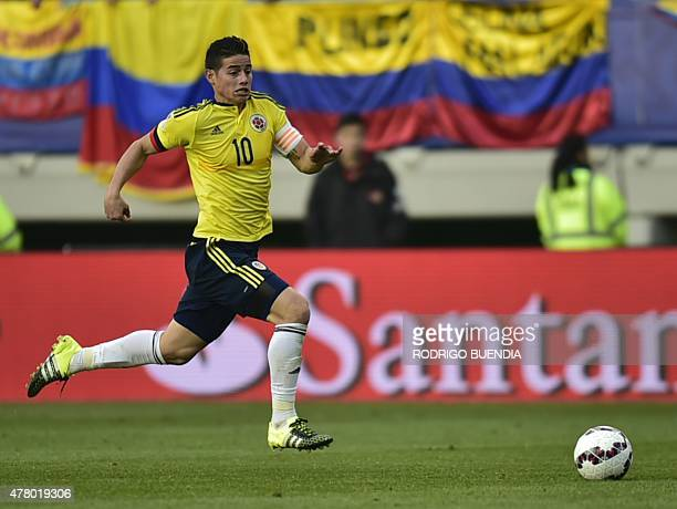 Colombia's midfielder James Rodriguez drives the ball during the 2015 Copa America football championship match against Peru in Temuco Chile on June...