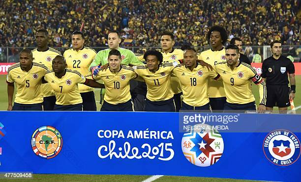 Colombia's team pose before their 2015 Copa America football championship match against Brazil in Santiago Chile on June 17 2015 AFP PHOTO / NELSON...
