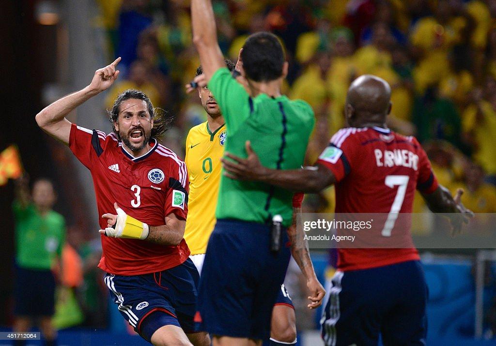 Brazil v Colombia : News Photo