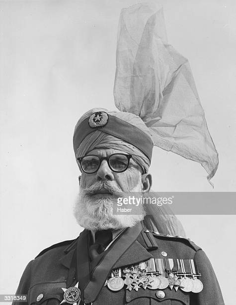 Colonel WilayaKhan who was presented to Queen Elizabeth II at Rawalpindi during her tour of India