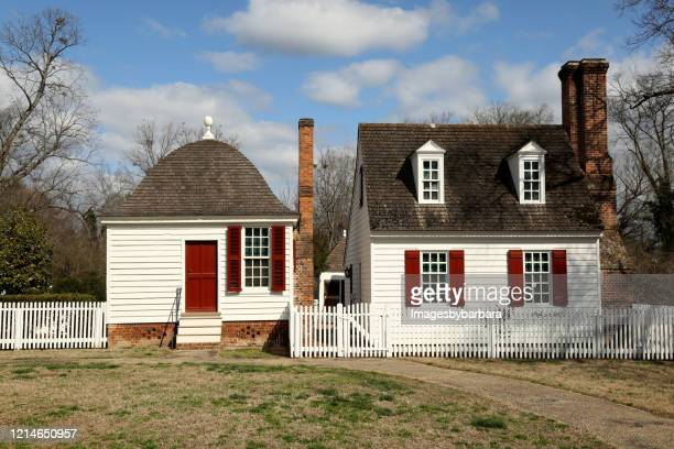 colonial buildings in the town of williamsburg, virginia - 18th century stock pictures, royalty-free photos & images