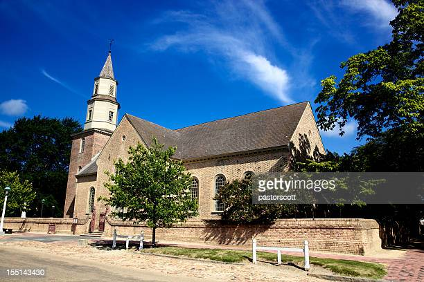 colonial church 18th century style virginia - williamsburg virginia stock pictures, royalty-free photos & images