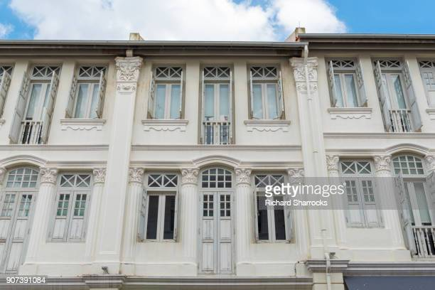 colonial style building, singapore - georgian style stock pictures, royalty-free photos & images