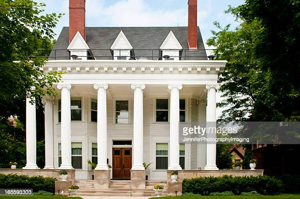 colonial style home - colonial style stock pictures, royalty-free photos & images