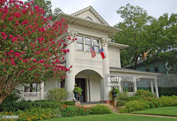 colonial style house in dallas - southern usa stock pictures, royalty-free photos & images