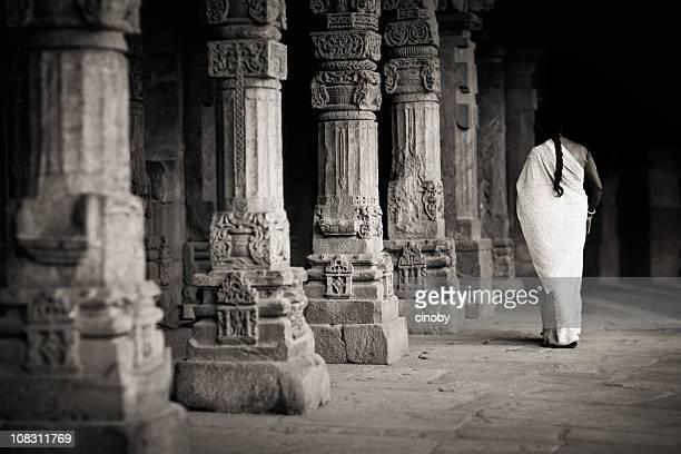 Colonnade in Kutab Minar-Moschee – Indien