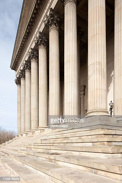 colonnade of st georges hall, merseyside, uk - vaudeville stock pictures, royalty-free photos & images