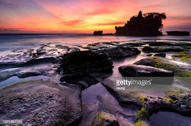 color of tanah lot - tanah lot stock pictures, royalty-free photos & images