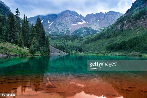 usa, colorado, aspen, maroon bells red and green - maroon bells stock photos and pictures