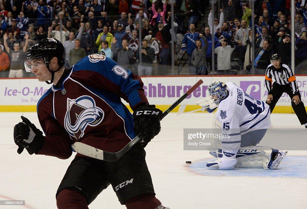 Colorado Avalanche vs Toronto Maple Leafs : News Photo