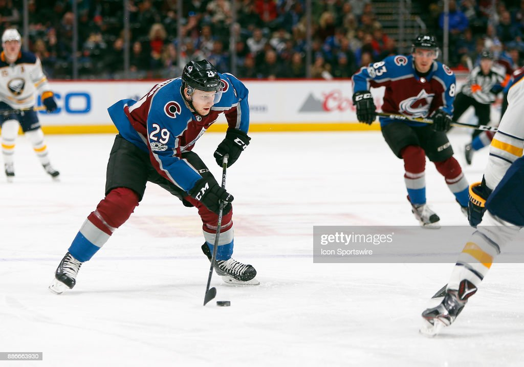 NHL: DEC 05 Sabres at Avalanche : News Photo