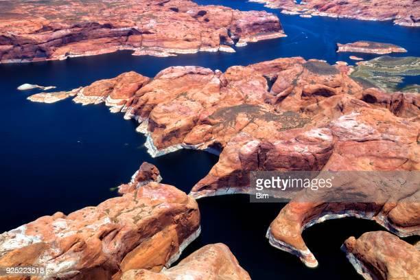 colorado river, lake powell, luchtfoto uitzicht, utah, arizona, vsa - powellmeer stockfoto's en -beelden