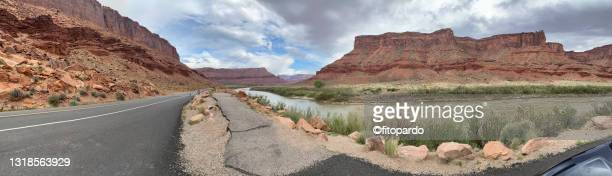 colorado river running along highway 128 and the beautiful landscape that gets into moab - fitopardo stock pictures, royalty-free photos & images