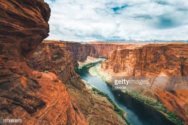 colorado river runs through the grand canyon - colorado river stock pictures, royalty-free photos & images