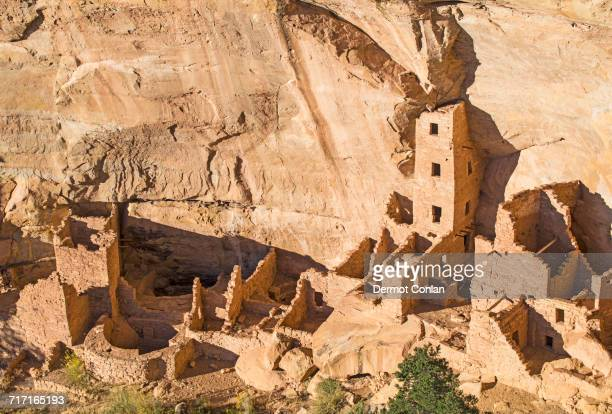 USA, Colorado, Square Tower House pueblo ruin seen from Wetherill Mesa in Mesa Verde National Park