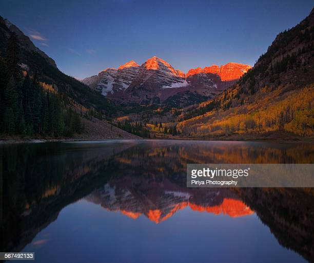 colorado sunrise - maroon bells stock photos and pictures