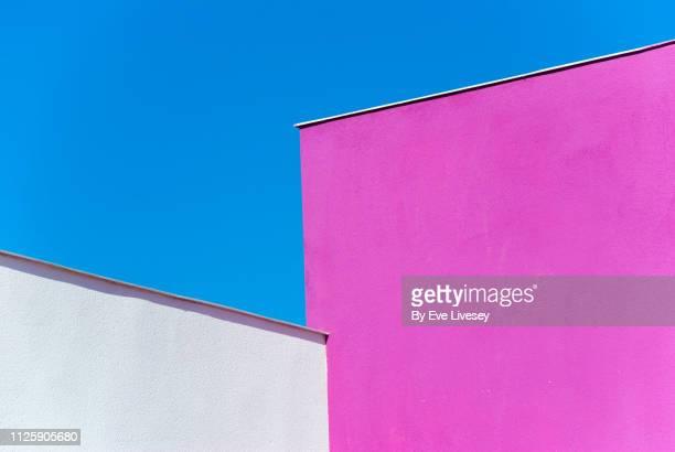 colored modern buildings - luogo non identificato foto e immagini stock