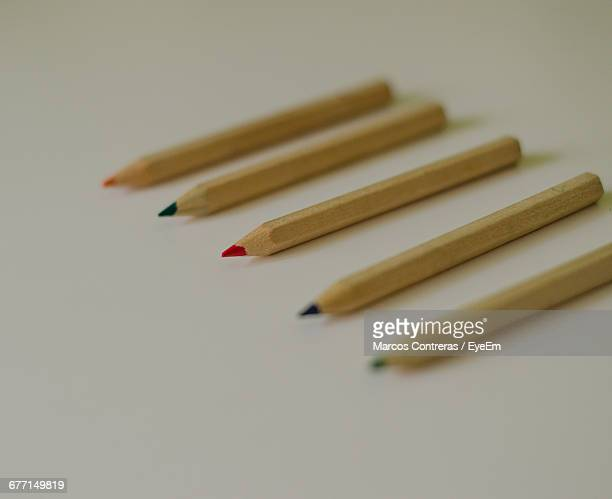 set of colored pencils ストックフォトと画像 getty images